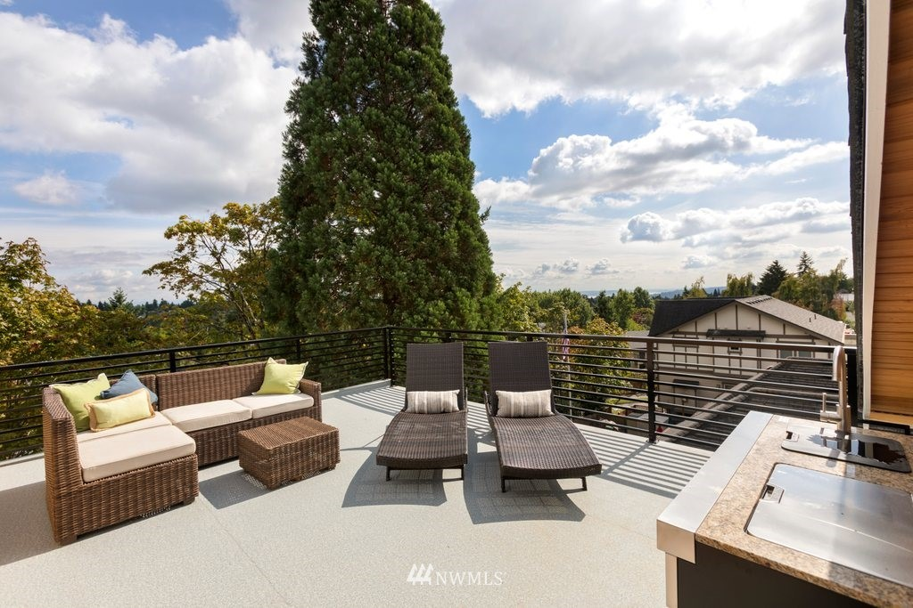 Sold Property   8246 17th Avenue NE Seattle, WA 98115 22