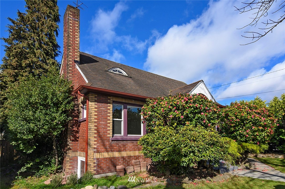 Sold Property   415 20th Avenue S Seattle, WA 98144 1