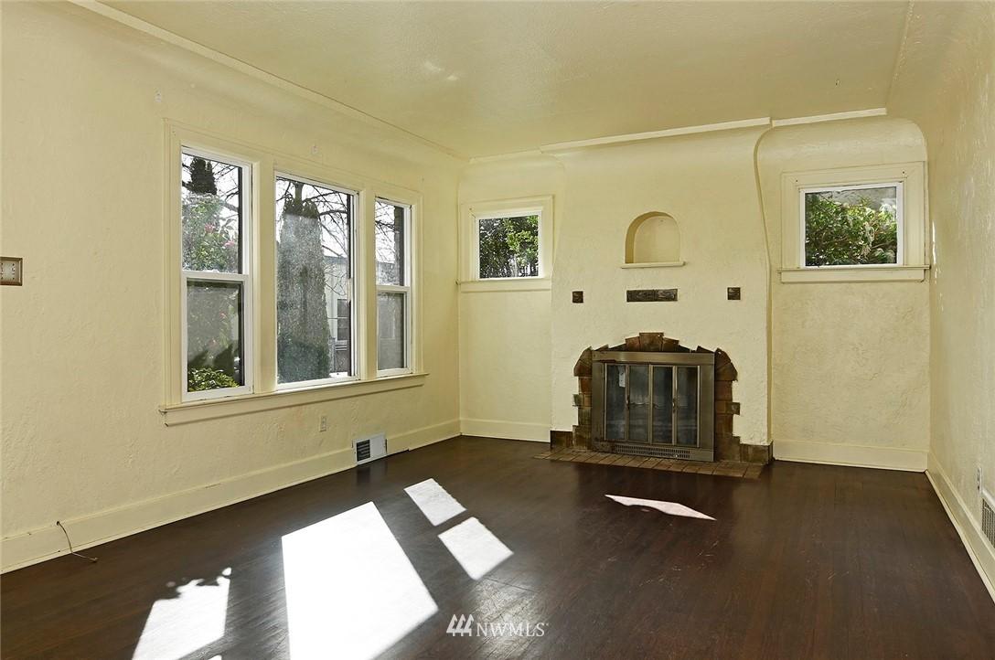 Sold Property   415 20th Avenue S Seattle, WA 98144 3