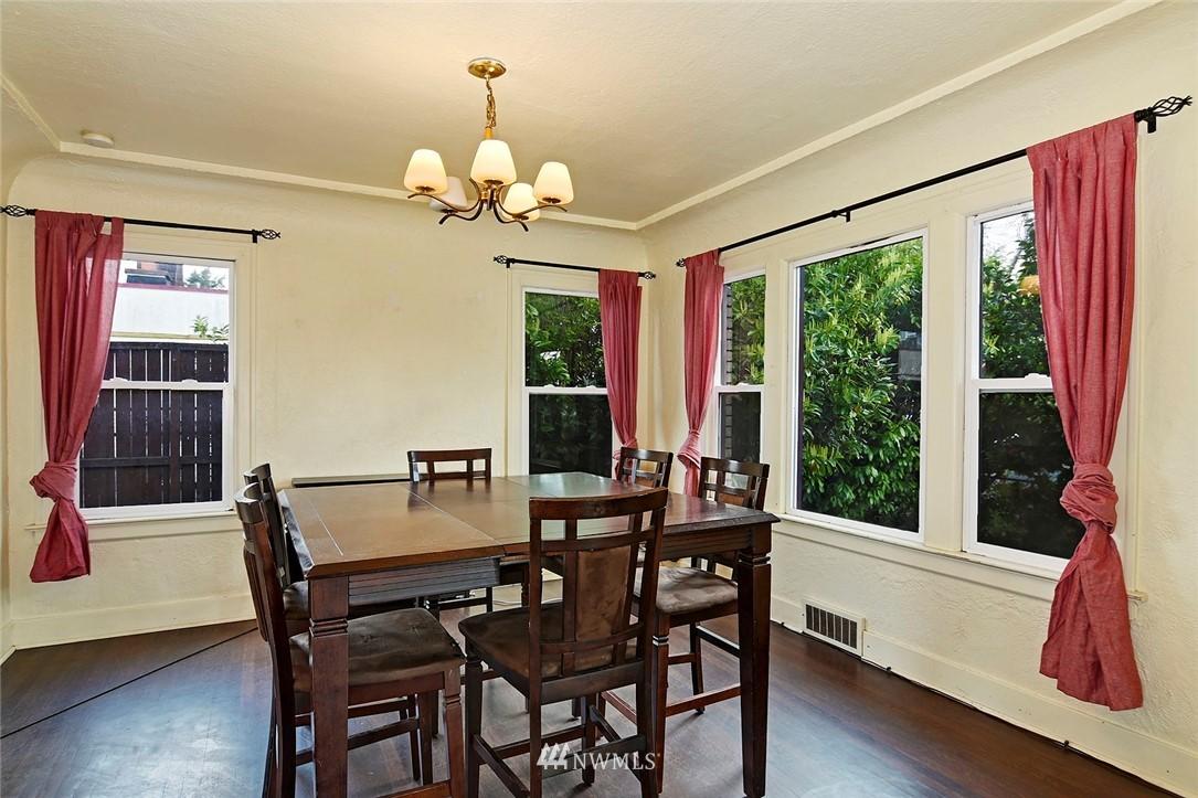 Sold Property   415 20th Avenue S Seattle, WA 98144 5