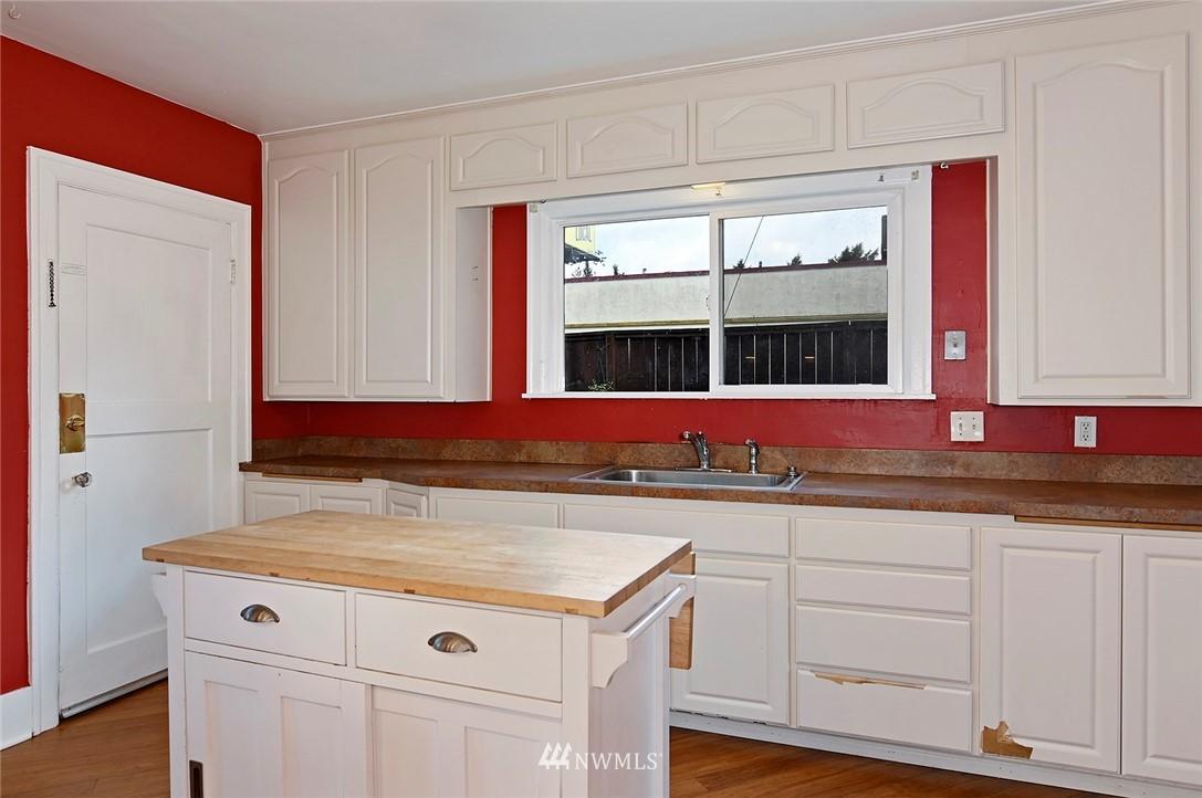 Sold Property   415 20th Avenue S Seattle, WA 98144 7