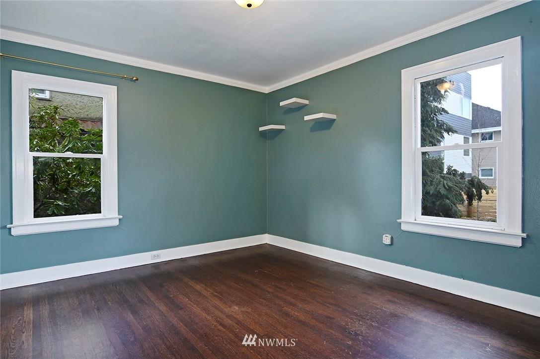 Sold Property   415 20th Avenue S Seattle, WA 98144 11