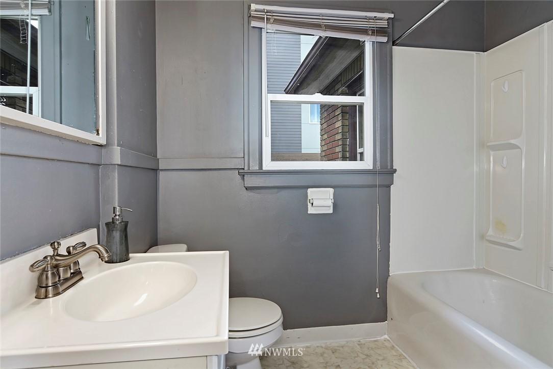 Sold Property   415 20th Avenue S Seattle, WA 98144 12