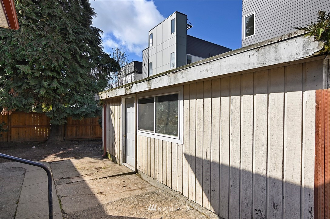 Sold Property | 415 20th Avenue S Seattle, WA 98144 20