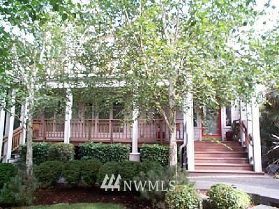 Sold Property | 2548 6th Avenue W Seattle, WA 98119 0