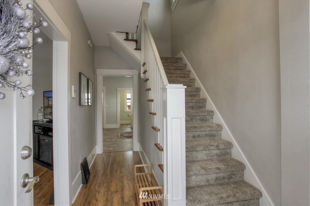 Sold Property | 917 S Sprague Avenue Tacoma, WA 98405 2