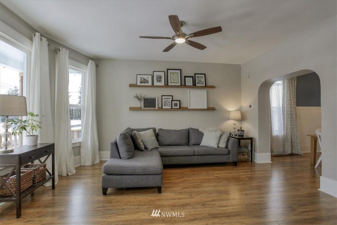 Sold Property | 917 S Sprague Avenue Tacoma, WA 98405 4