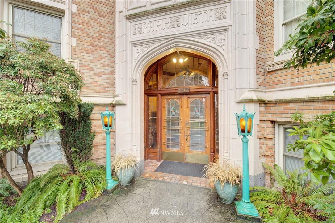 Sold Property | 5810 Cowen Place NE #306 Seattle, WA 98105 0
