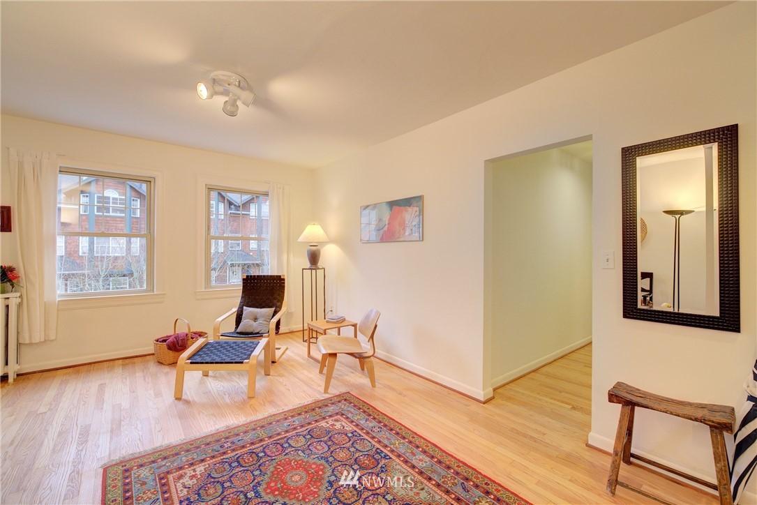 Sold Property | 5810 Cowen Place NE #306 Seattle, WA 98105 3