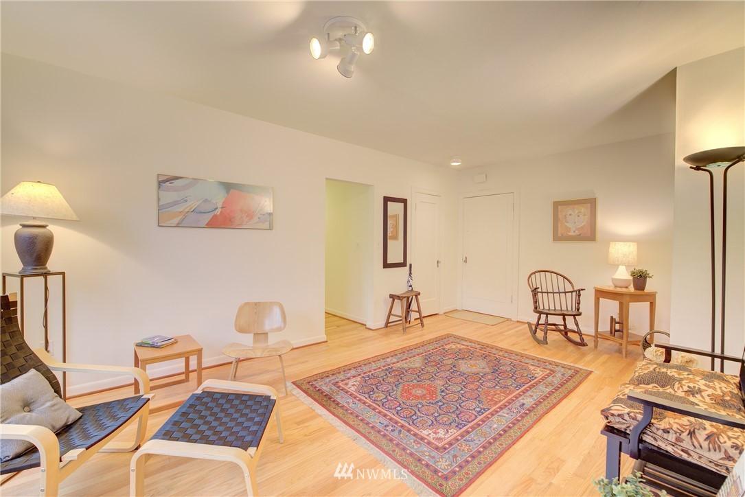 Sold Property | 5810 Cowen Place NE #306 Seattle, WA 98105 9