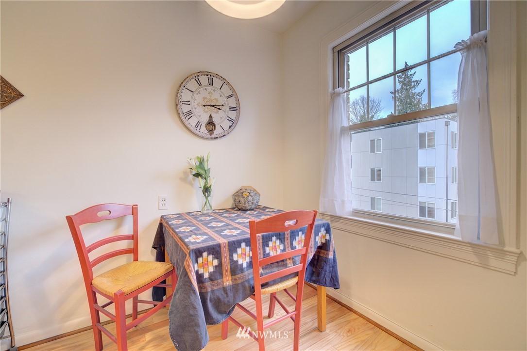 Sold Property | 5810 Cowen Place NE #306 Seattle, WA 98105 4