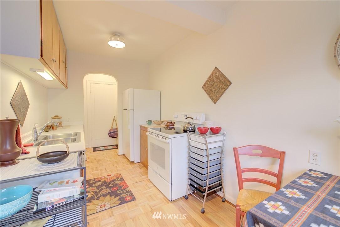 Sold Property | 5810 Cowen Place NE #306 Seattle, WA 98105 5