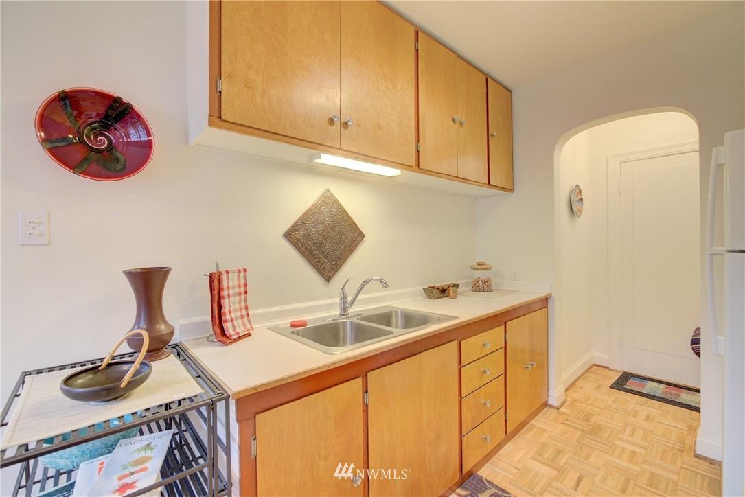 Sold Property | 5810 Cowen Place NE #306 Seattle, WA 98105 6