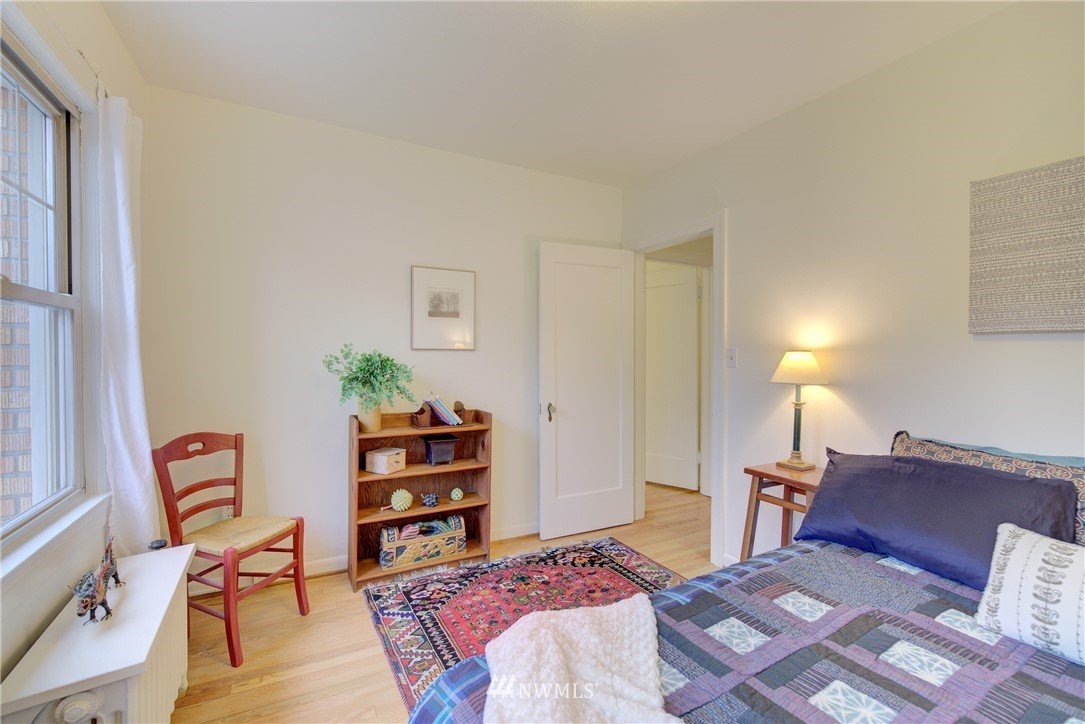 Sold Property | 5810 Cowen Place NE #306 Seattle, WA 98105 12
