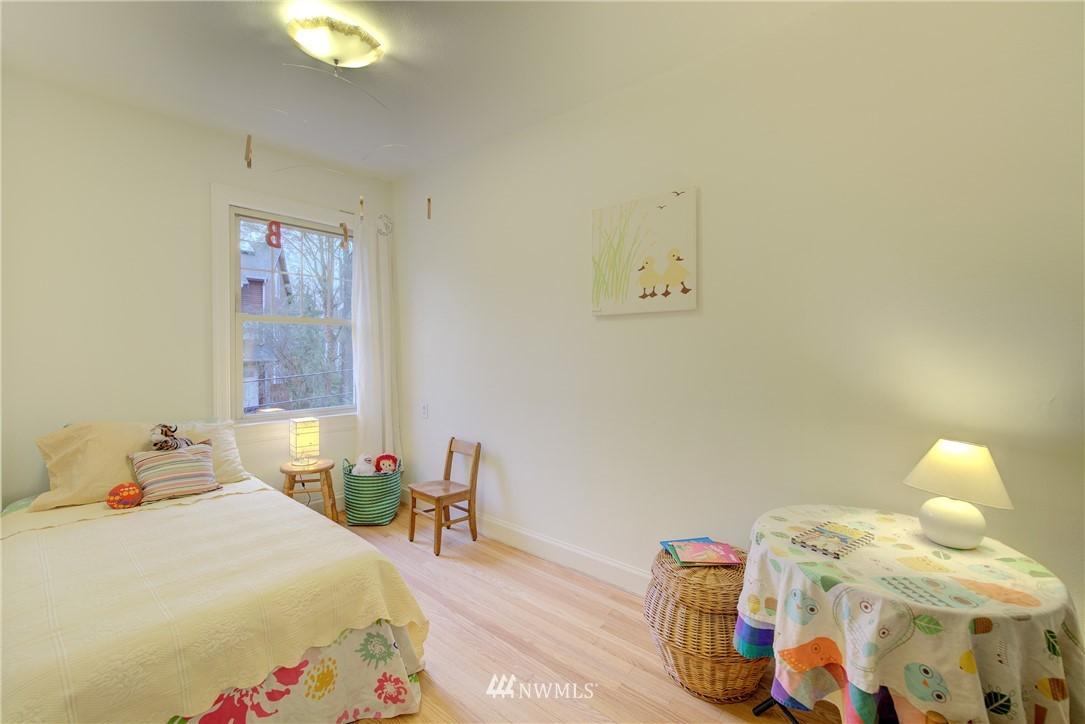 Sold Property | 5810 Cowen Place NE #306 Seattle, WA 98105 13