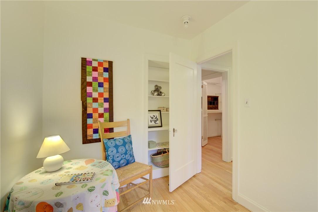 Sold Property | 5810 Cowen Place NE #306 Seattle, WA 98105 14