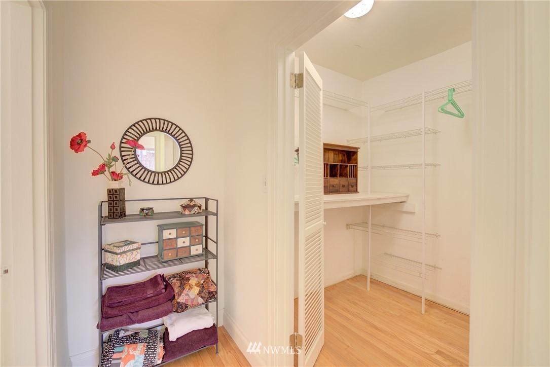 Sold Property | 5810 Cowen Place NE #306 Seattle, WA 98105 16