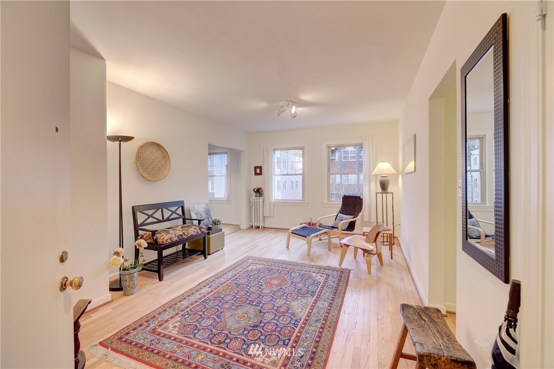 Sold Property | 5810 Cowen Place NE #306 Seattle, WA 98105 2