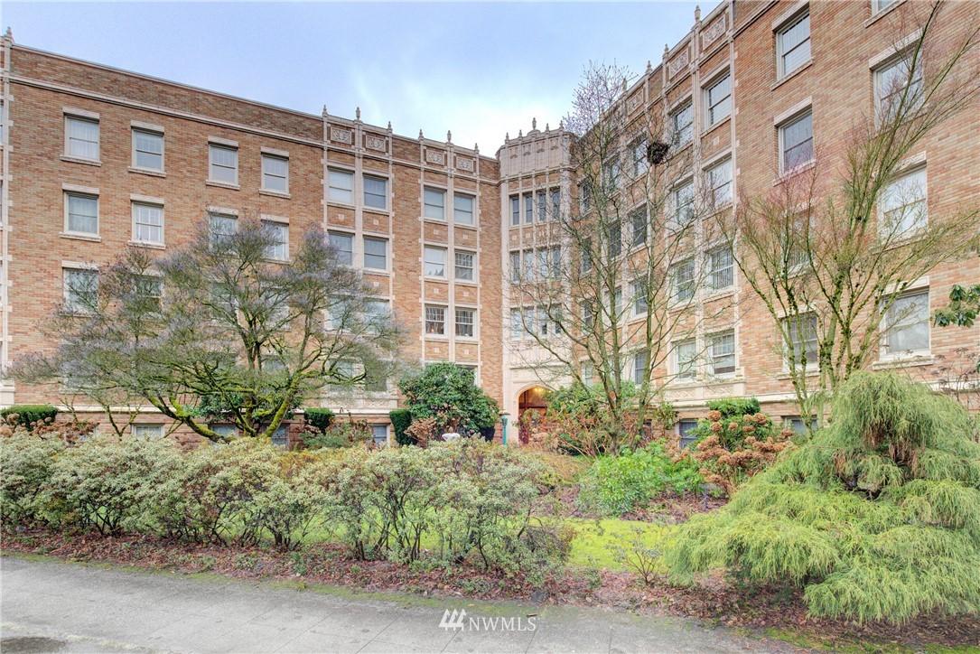 Sold Property | 5810 Cowen Place NE #306 Seattle, WA 98105 18
