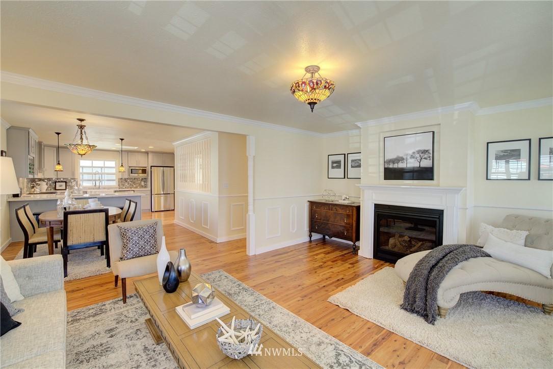 Sold Property | 8814 Burke Avenue N Seattle, WA 98103 2