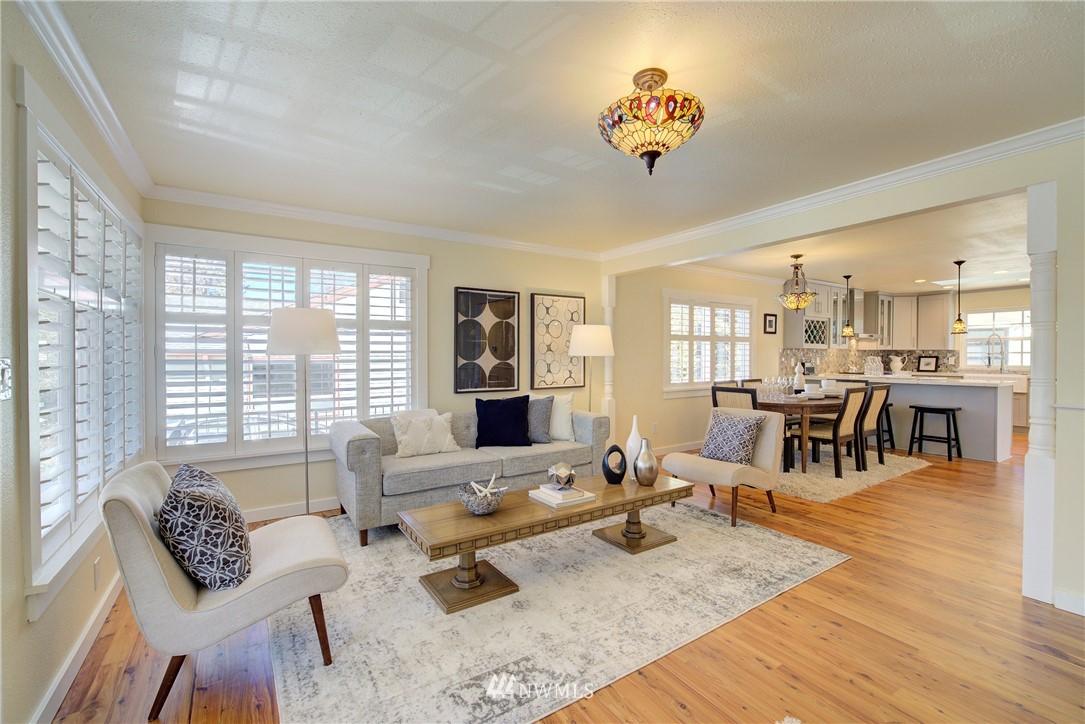 Sold Property | 8814 Burke Avenue N Seattle, WA 98103 3