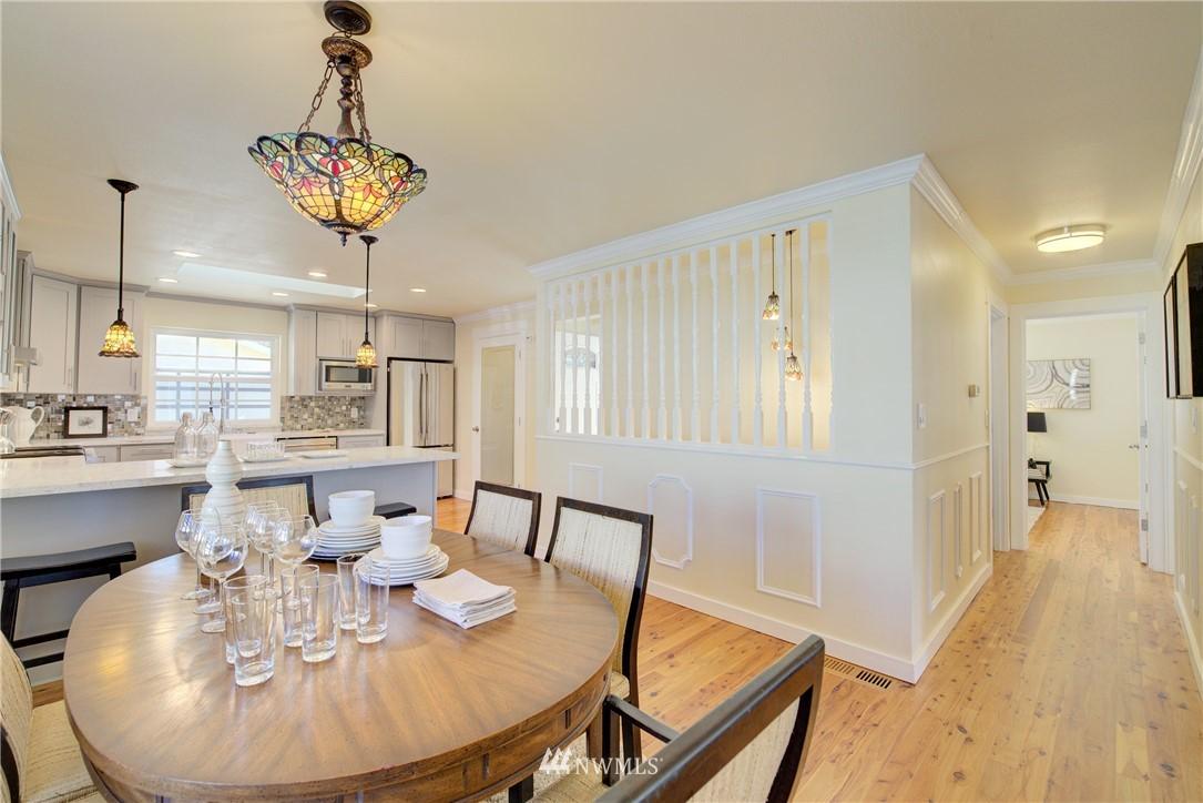 Sold Property | 8814 Burke Avenue N Seattle, WA 98103 7