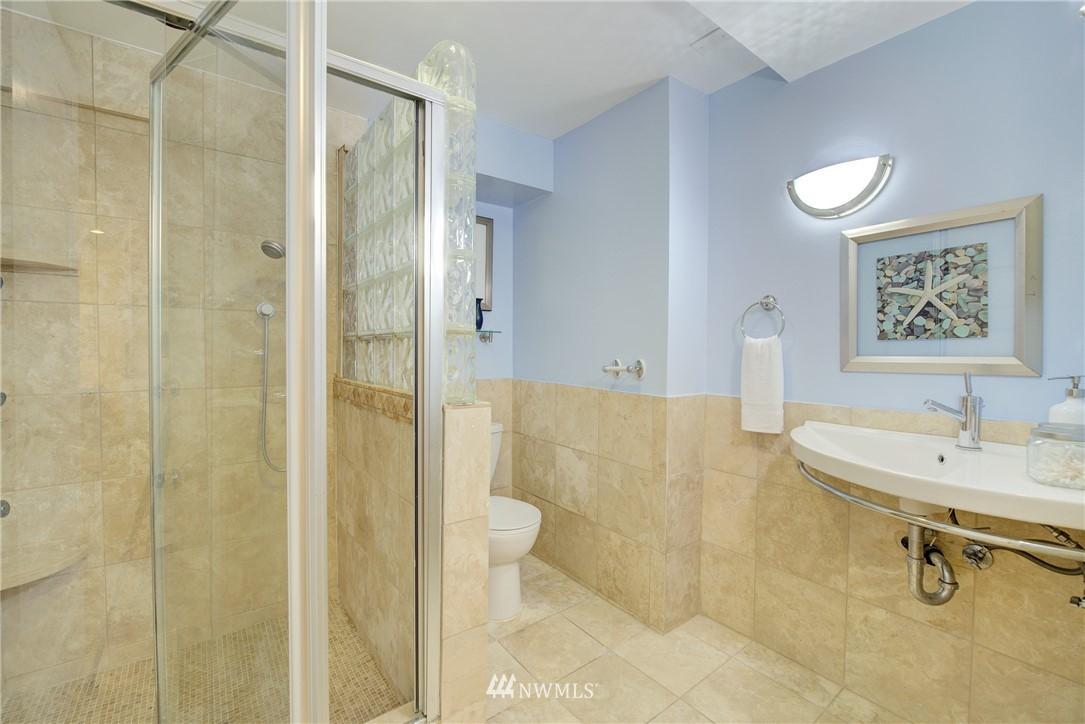 Sold Property | 8814 Burke Avenue N Seattle, WA 98103 12