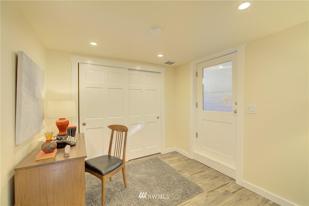 Sold Property | 8814 Burke Avenue N Seattle, WA 98103 14