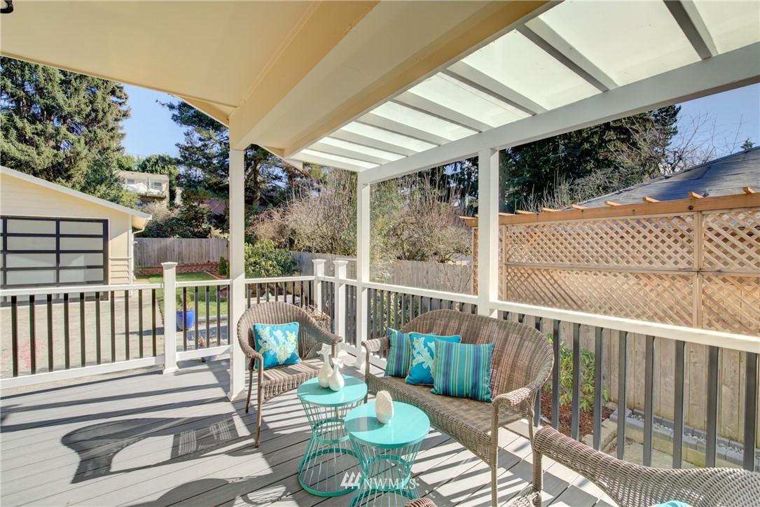 Sold Property | 8814 Burke Avenue N Seattle, WA 98103 16