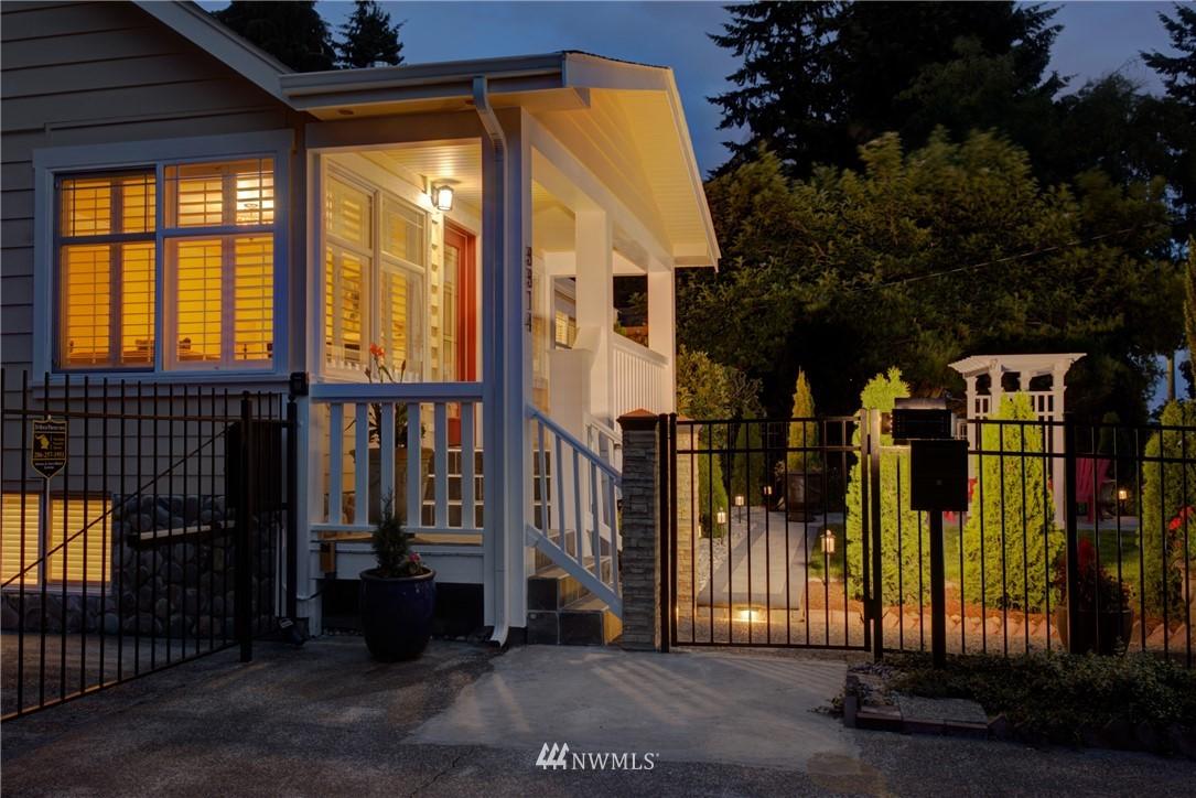 Sold Property | 8814 Burke Avenue N Seattle, WA 98103 21