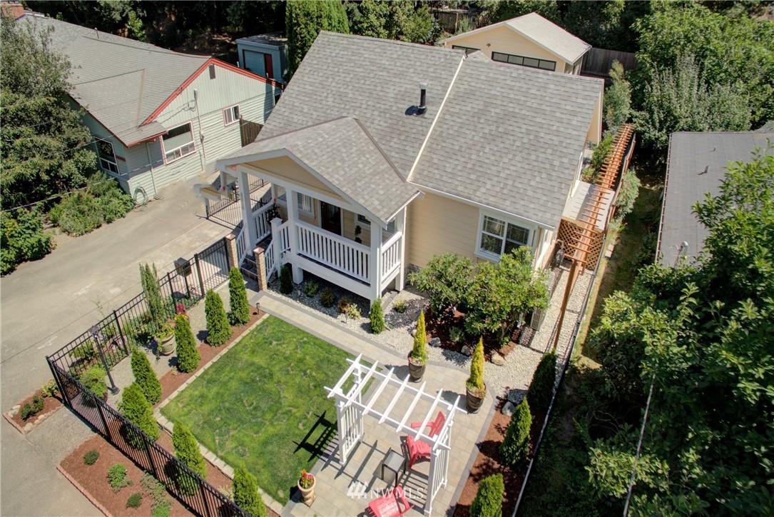 Sold Property | 8814 Burke Avenue N Seattle, WA 98103 22
