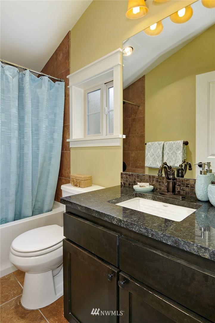 Sold Property | 6737 24th Avenue NW #B Seattle, WA 98117 17