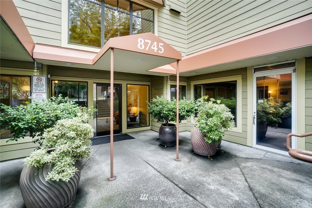 Sold Property | 8745 Greenwood Avenue N #405 Seattle, WA 98103 2