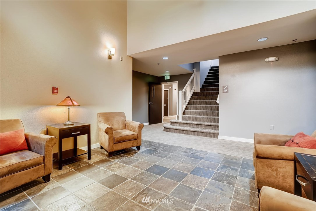 Sold Property | 8745 Greenwood Avenue N #405 Seattle, WA 98103 4