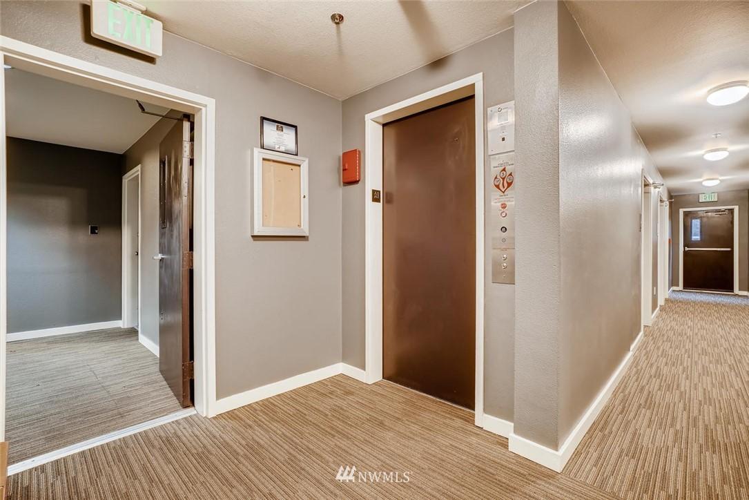 Sold Property | 8745 Greenwood Avenue N #405 Seattle, WA 98103 5
