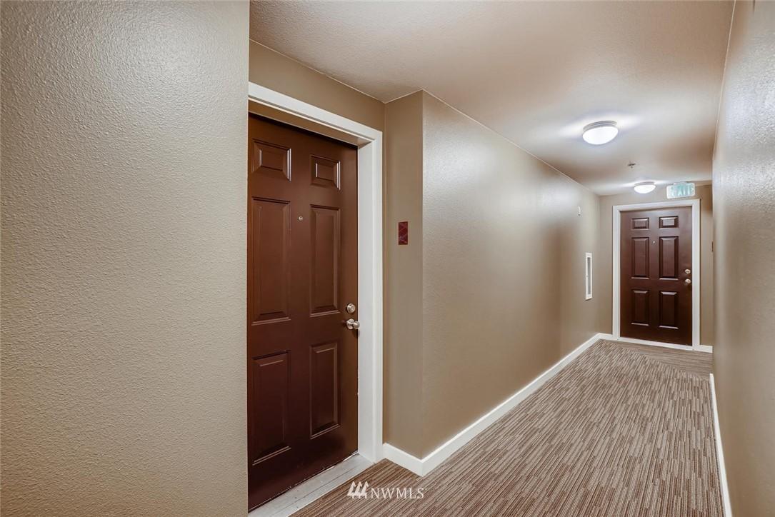 Sold Property | 8745 Greenwood Avenue N #405 Seattle, WA 98103 6