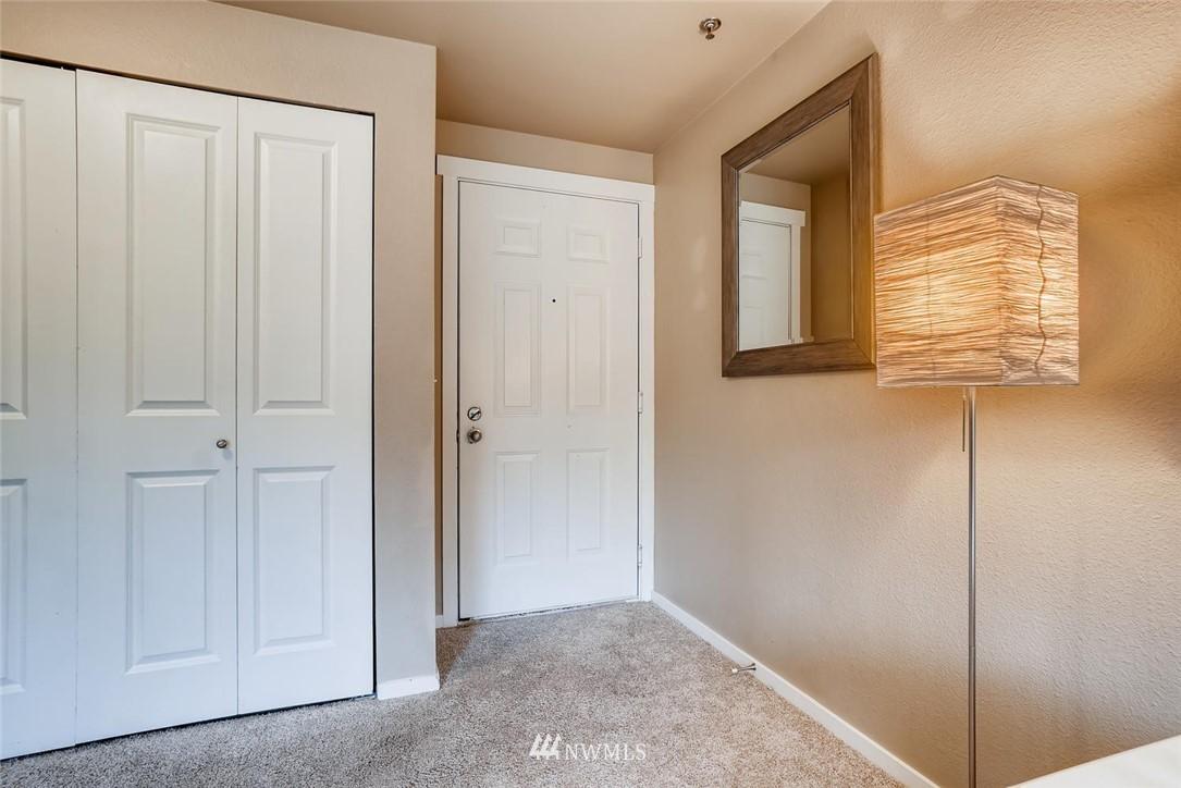 Sold Property | 8745 Greenwood Avenue N #405 Seattle, WA 98103 7