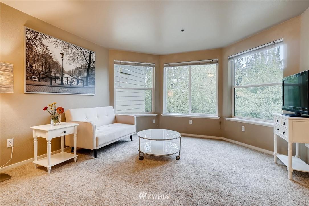 Sold Property | 8745 Greenwood Avenue N #405 Seattle, WA 98103 8