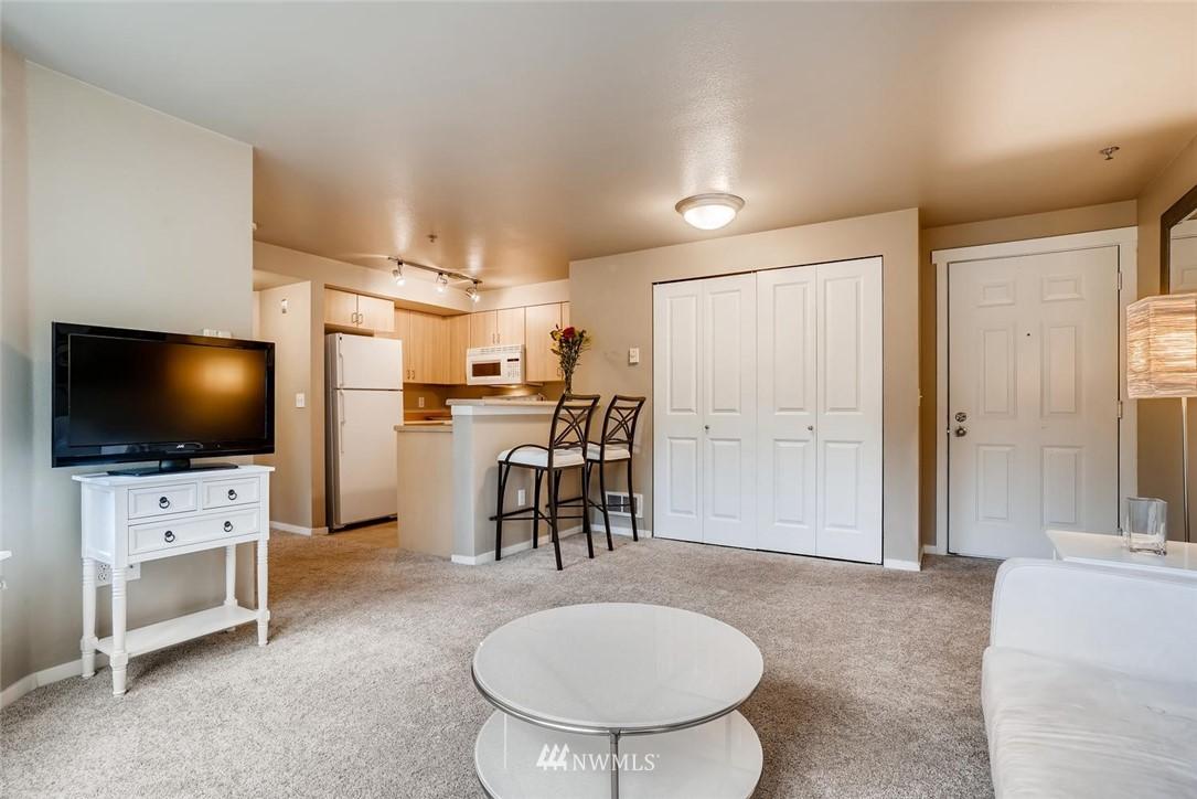 Sold Property | 8745 Greenwood Avenue N #405 Seattle, WA 98103 9