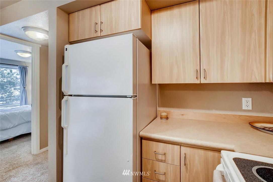 Sold Property | 8745 Greenwood Avenue N #405 Seattle, WA 98103 15