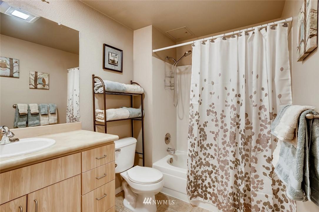 Sold Property | 8745 Greenwood Avenue N #405 Seattle, WA 98103 16