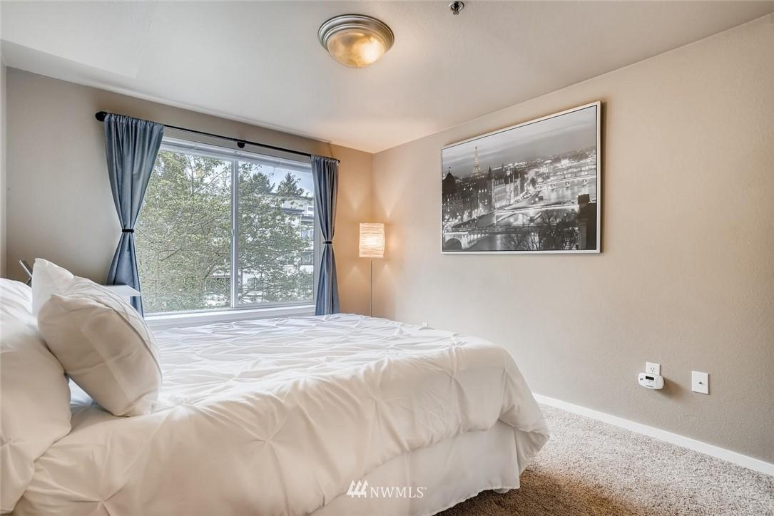 Sold Property | 8745 Greenwood Avenue N #405 Seattle, WA 98103 18