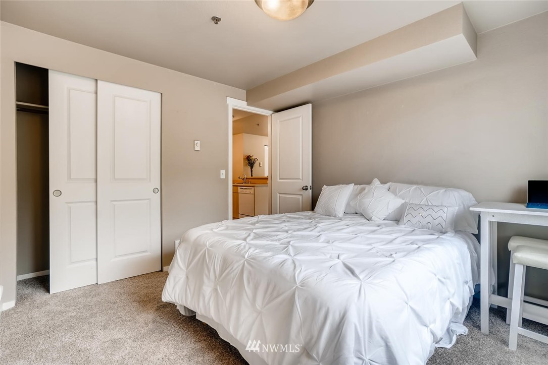 Sold Property | 8745 Greenwood Avenue N #405 Seattle, WA 98103 20