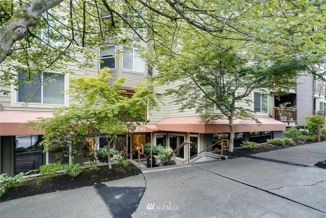 Sold Property | 8745 Greenwood Avenue N #405 Seattle, WA 98103 23