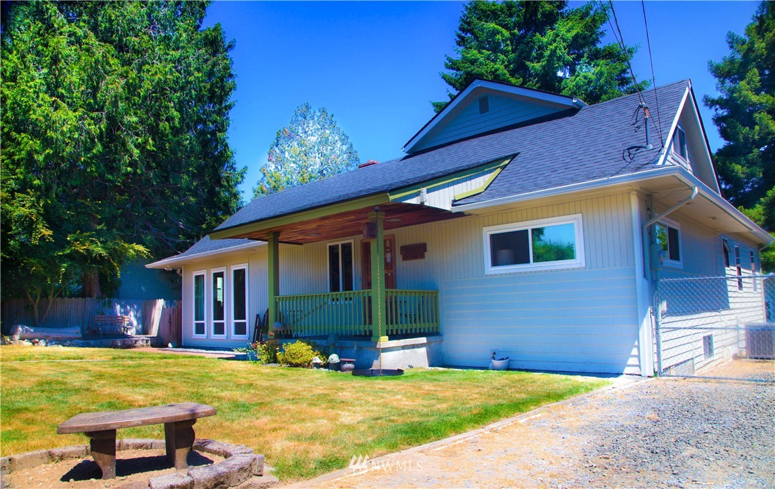 Sold Property | 10408 California Avenue SW Seattle, WA 98146 4