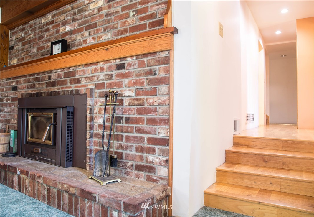 Sold Property | 10408 California Avenue SW Seattle, WA 98146 8