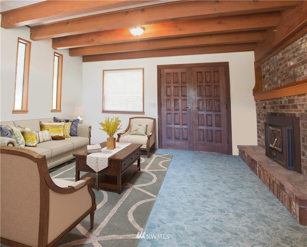Sold Property | 10408 California Avenue SW Seattle, WA 98146 9