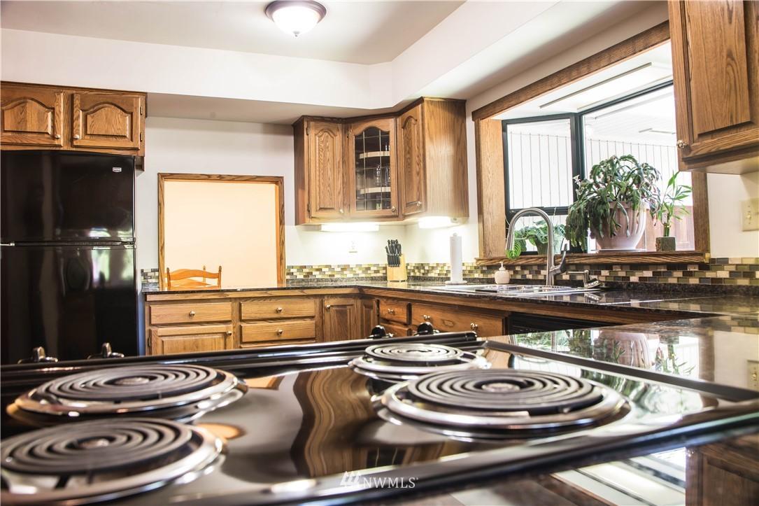 Sold Property | 10408 California Avenue SW Seattle, WA 98146 11