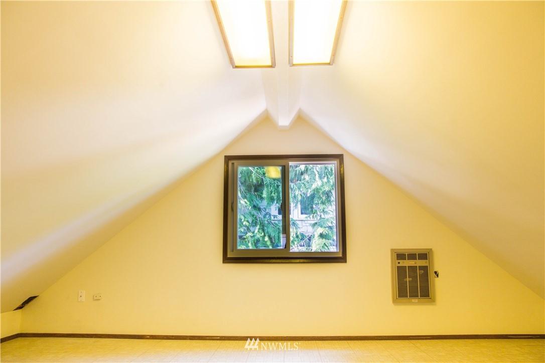 Sold Property | 10408 California Avenue SW Seattle, WA 98146 20