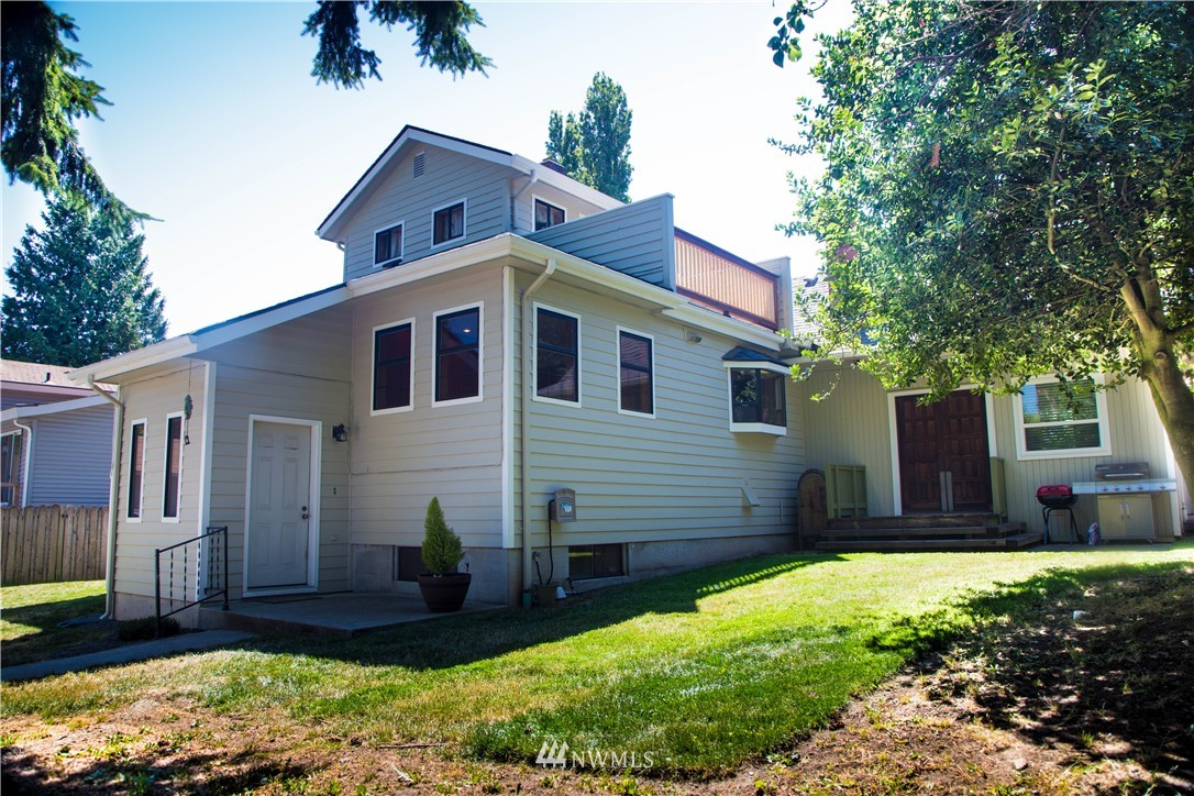 Sold Property | 10408 California Avenue SW Seattle, WA 98146 0